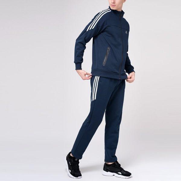 Повседневная спортивная одежда